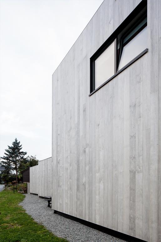 3 Patio Hus på Bryne. Abstrakter volumer definerer atrium.