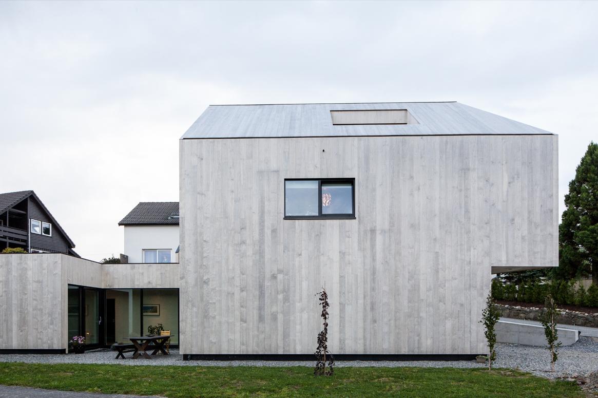 3 Patio Hus på Bryne. Accoya tre volum. Fargen vil bli sølvgrå.