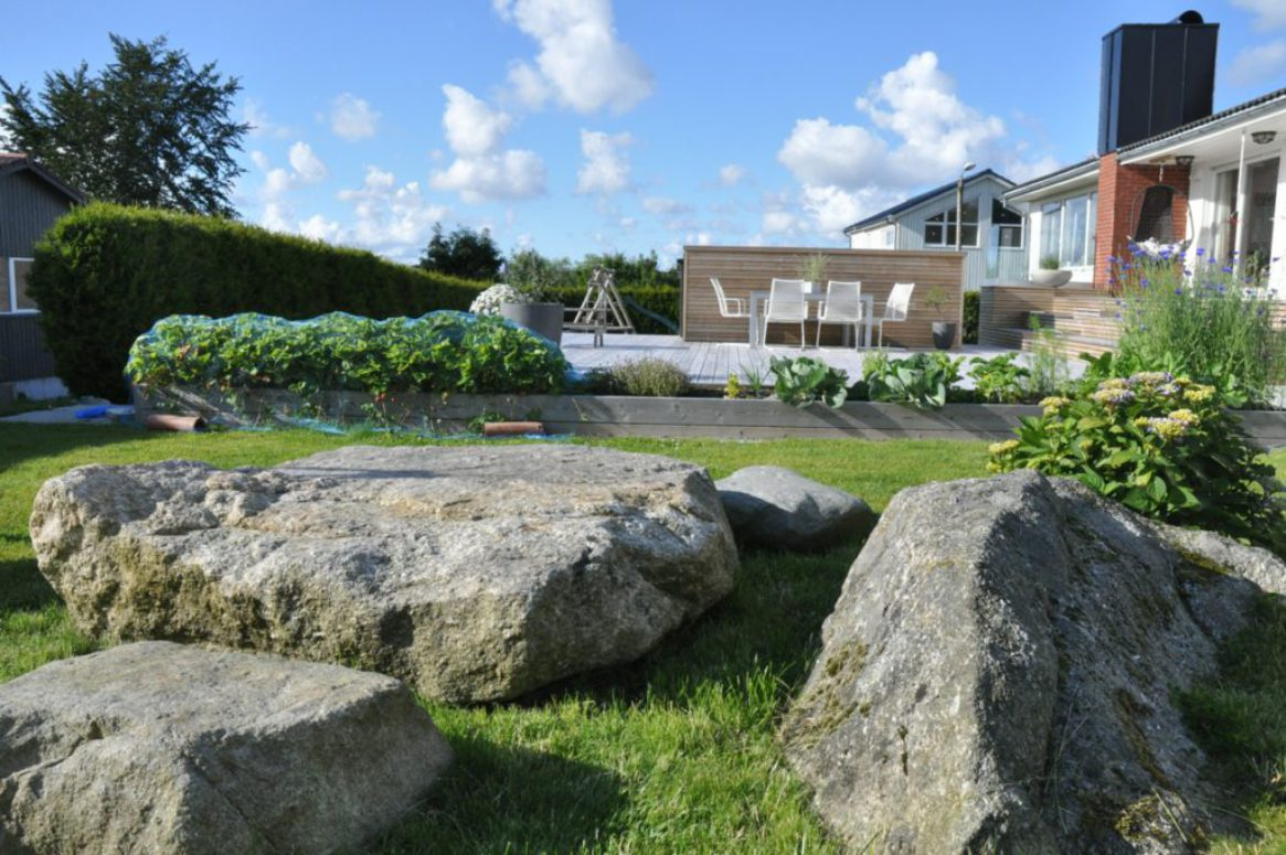 4-seasons-garden-01-from-rocks-view-saark-arkitekter
