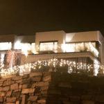 Hus i Sandnes med julelys godt nytt år